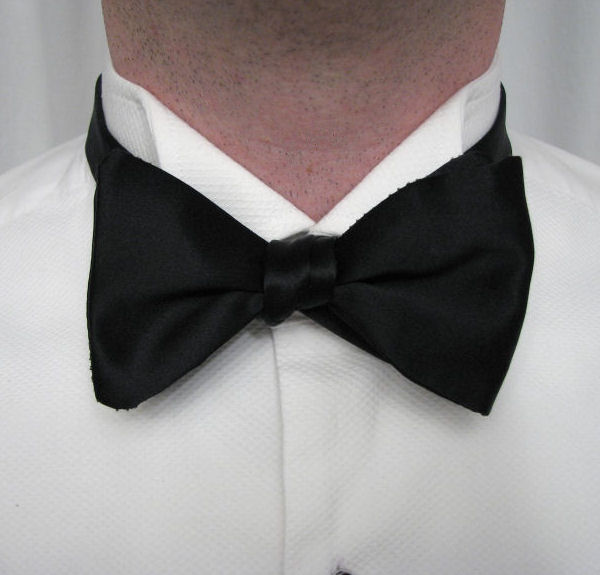 Black tie guide style tying a bow tie finesse the assembled bow ccuart Choice Image