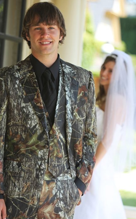 What S The Etiquette For Camouflage Weddings Does Bride Wear An Orange Hunting Vest